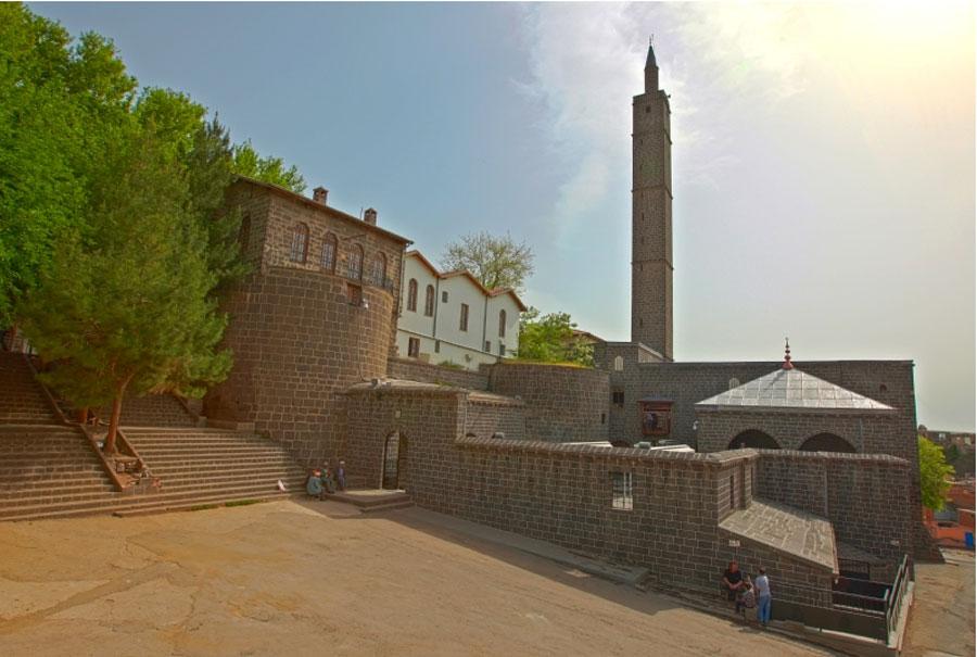 hz.suleyman-cami-diyarbakir
